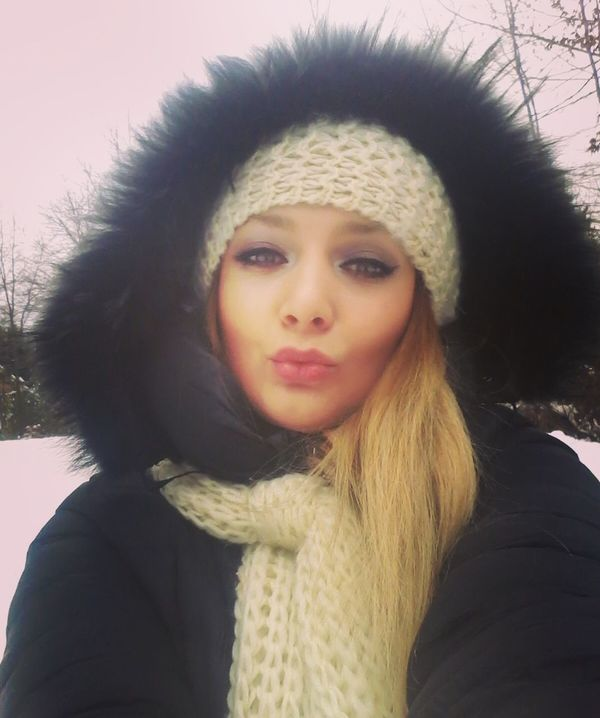 Hi! That's Me Taking Photos Letitsnow Ilovesnow  Snow Day ❄ Verycold Picoftheday Selfi Enjoying Life 😉✌💋