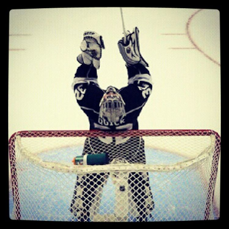 You can see the amazing feeling he has in this moment.! 32 Jonathanquick Losangeleskings Stanleycupchampions imisshockey