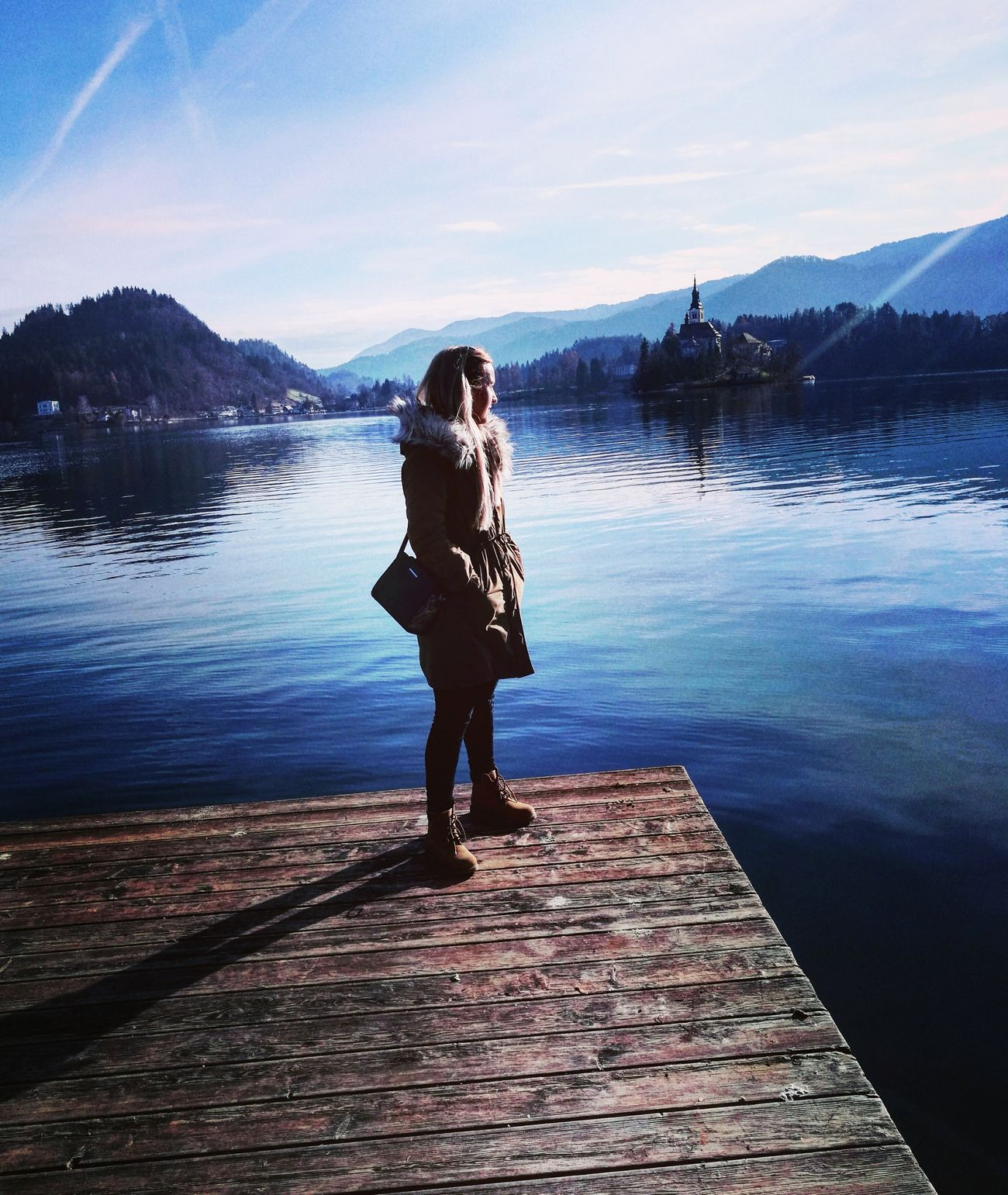 Sunny Day Sunny☀ Sunny Afternoon Lake Lake View Perfection❤❤❤ Autumn Colors Autumn🍁🍁🍁 Enjoying Life Enjoying The Sun Enjoying The View One Person Reflection Young Adult Only Women One Young Woman Only One Woman Only Full Length People Adults Only Young Women Sky Water Adult Freedom