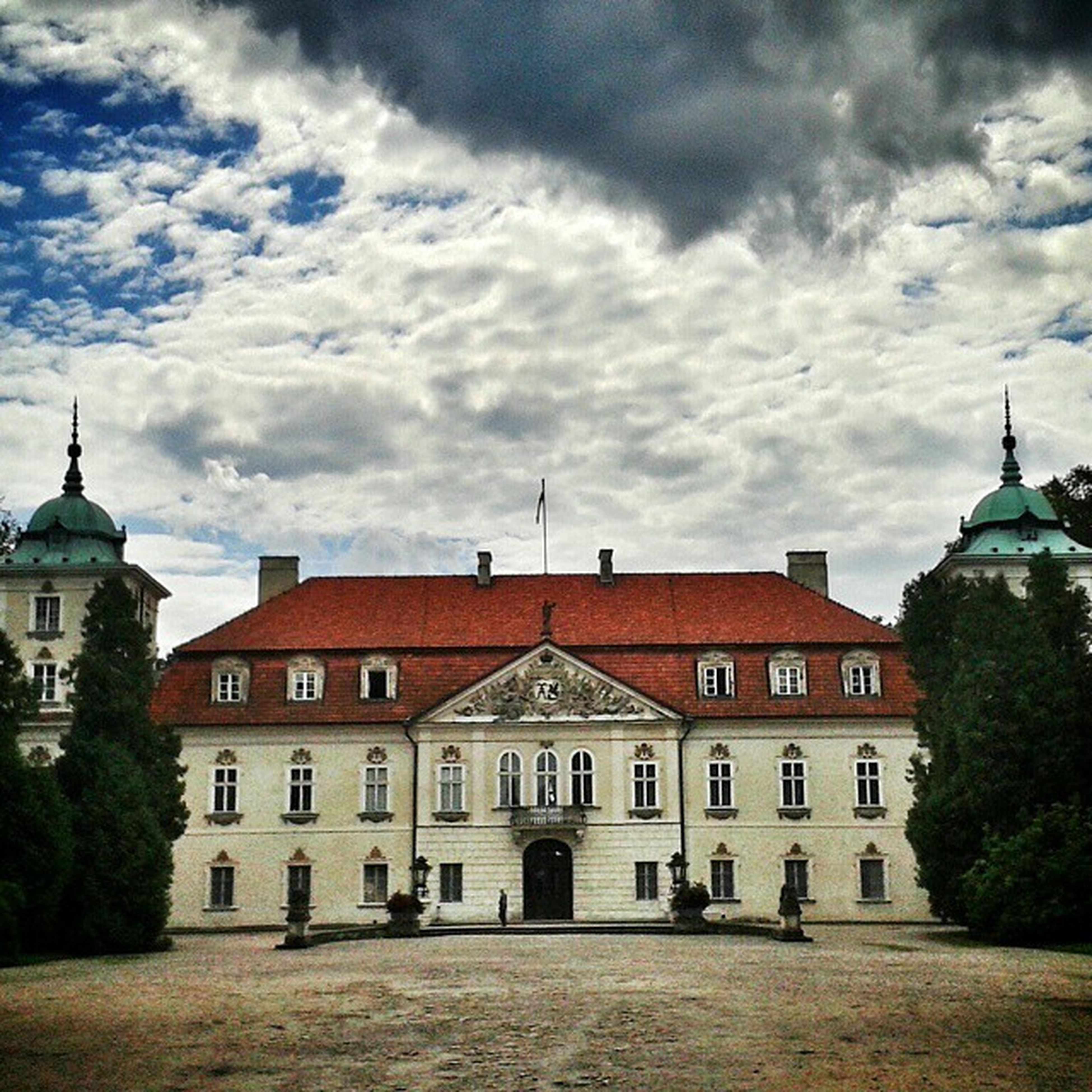 Nieborów Palace Poland Loves_Poland lubiepolske ourpoland mobilnytydzien heritagebuilding rsa_architecture rsa_doorsandwindows heritage architecture_hunter architectureporn architecturegram archifreaks architecturephotography