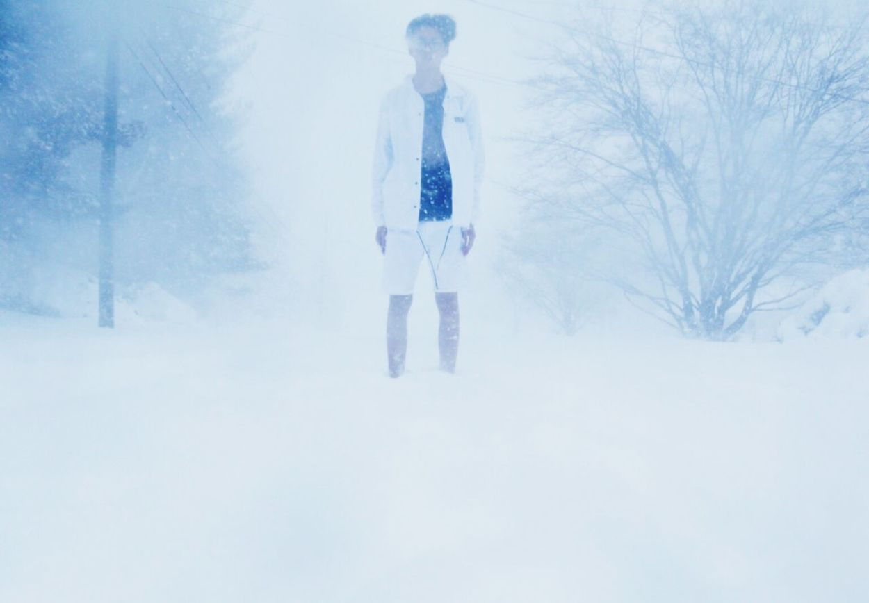 Snow Winter Cold Temperature One Person Leisure Activity Full Length Real People Adventure Nature Outdoors Day Sky