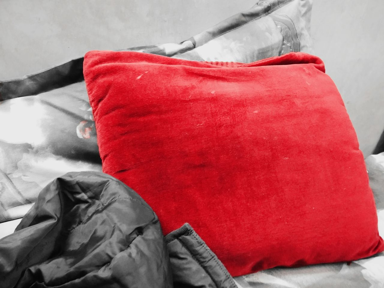 Photography Photographic Memory Random Randomshot Bedroom Bedroomlight Untidiness Jacket Pillow EyeEm Best Shots EyeEm Gallery EyeEm Best Edits Eyeemphotography Relaxing TheWeekOnEyeEM Learn & Shoot: Balancing Elements
