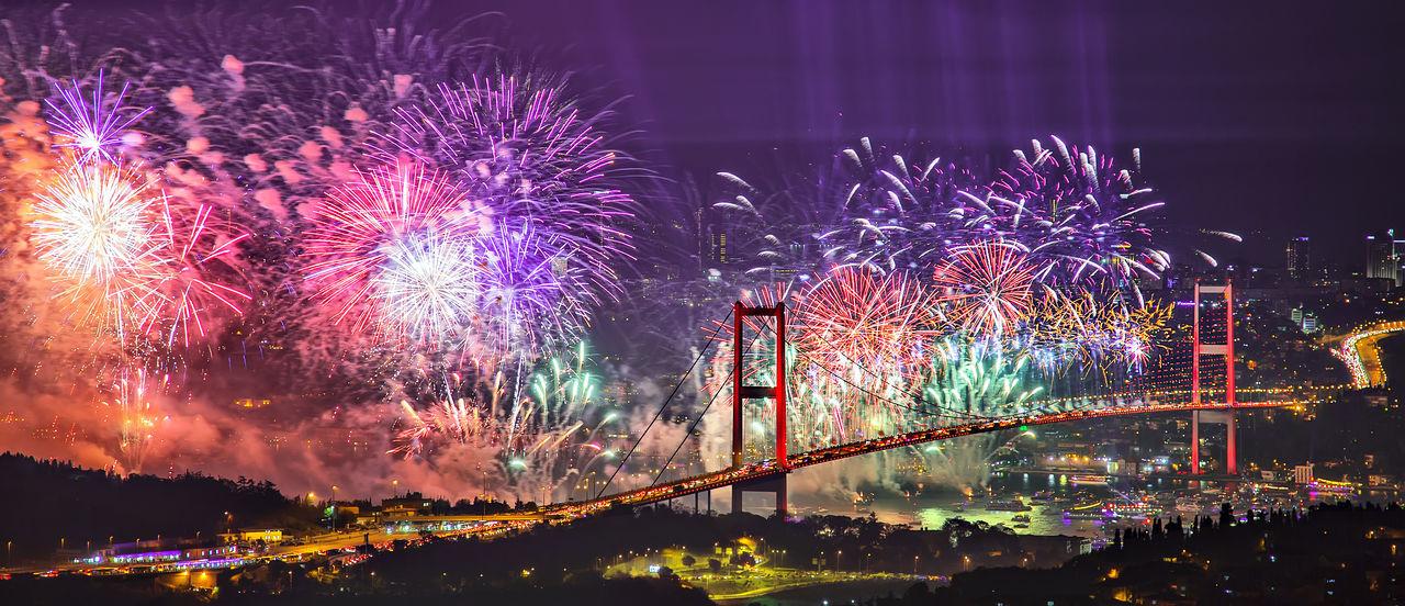Beautiful stock photos of feuerwerk, Architecture, Arts Culture And Entertainment, Blurred Motion, Bosphorus Bridge