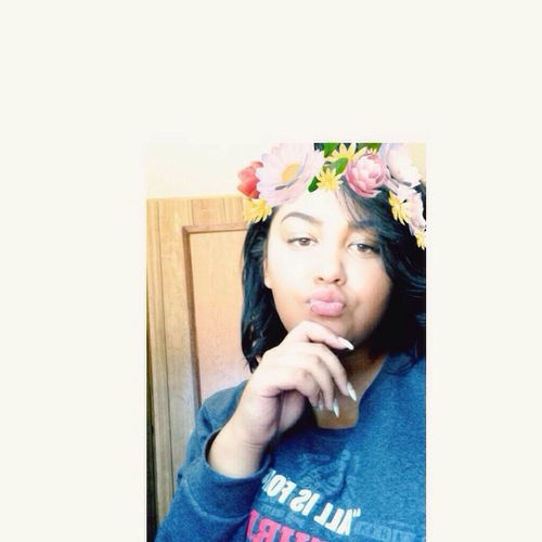 Young Women Team Thick Teamlightskin Snapchat Me Good Morning✌♥ Kik Me That's Me Enjoying Life Beautiful