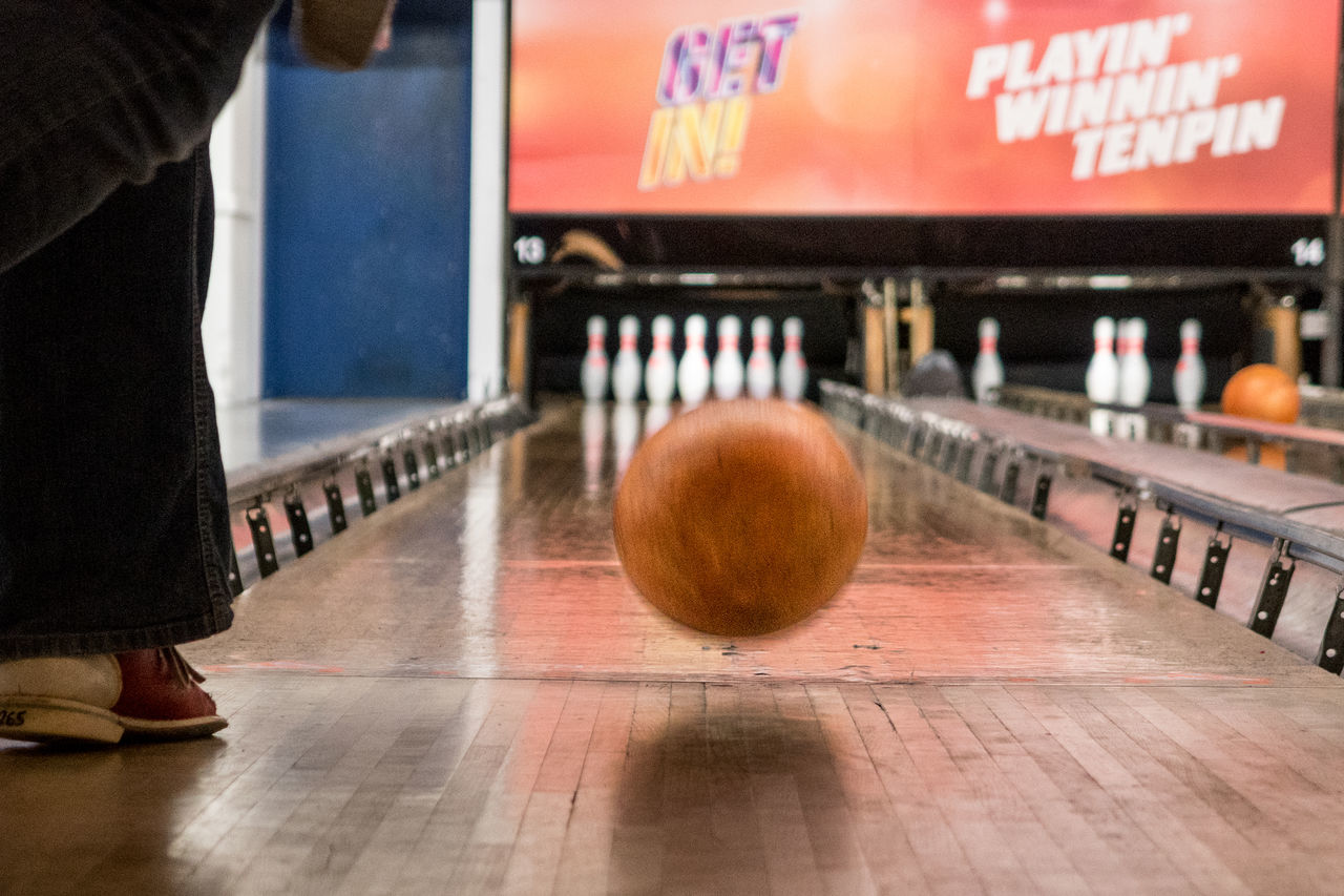Bowling Bowling Alley Bowling Ball Close-up Indoors  Leisure Activity Low Section One Person Real People Standing