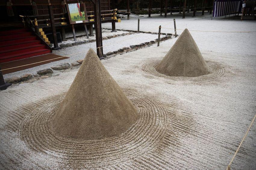 2016 Architecture Built Structure Culture Japan Kamigamo Shrine Kyoto Place Of Worship Religion Sand Shrine World Heritage 上社 上賀茂神社 京都 神社 立砂 賀茂別雷神社
