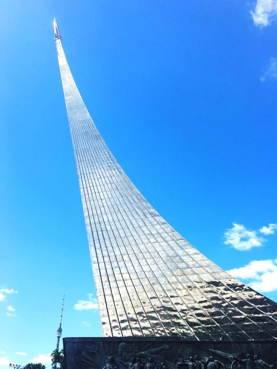Ничего слишком Low Angle View Architecture Built Structure Building Exterior Day Blue No People Sky Outdoors Modern City Vapor Trail Ussr Architecture Ussr Power Memory Cosmos