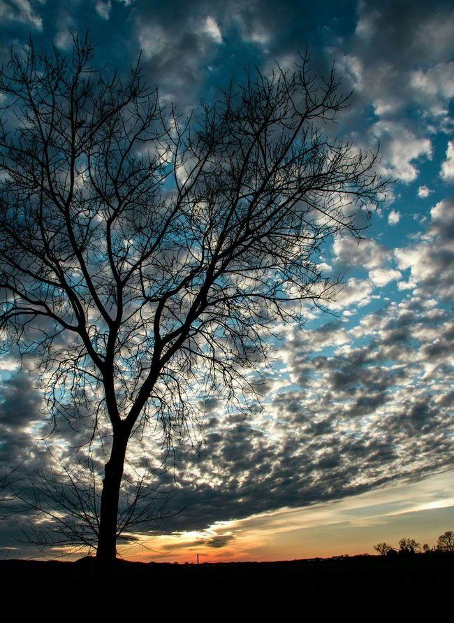 Sunset #sun #clouds #skylovers #sky #nature #beautifulinnature #naturalbeauty #photography #landscape Wisconsin MidWest