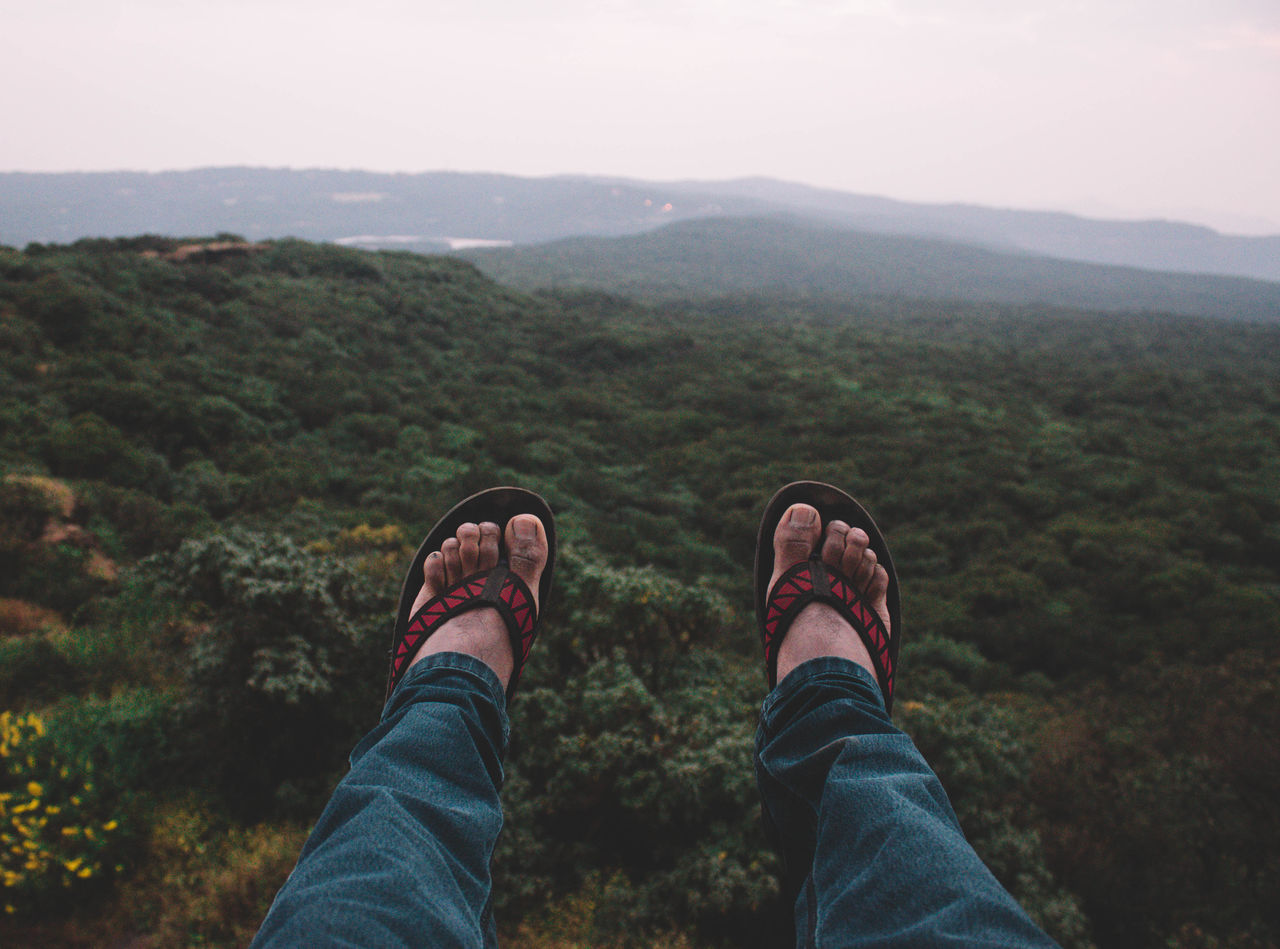 Take only memories, leave only footprints. Mahabaleshwar Nature Beauty In Nature Sky Scenics Mountain Outdoors Foot Mist Trees Tones