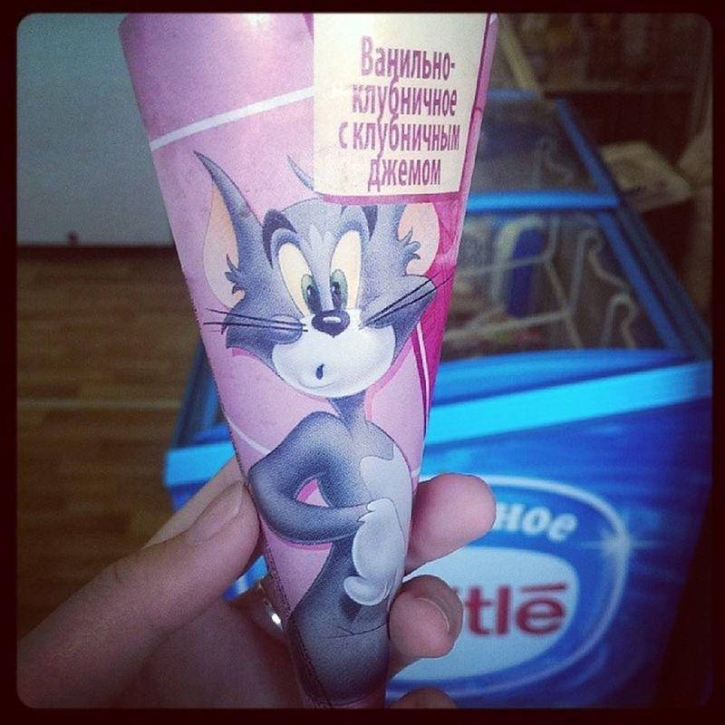 Только мороженое поможет...жара Том и джерри