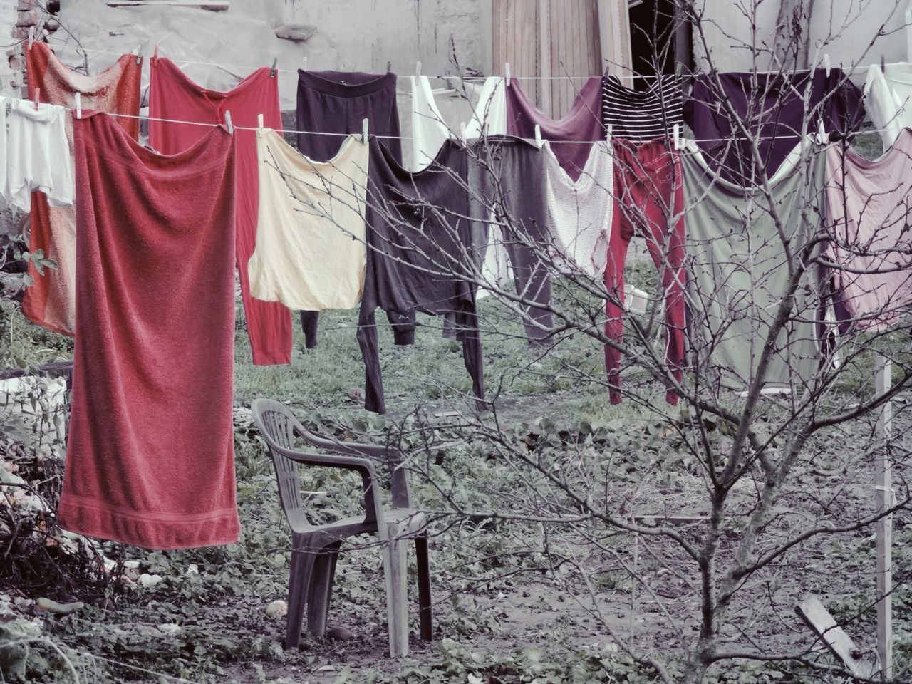 Pattern, Texture, Shape And Form Pastel Power Showcase: November Laundry Day EyeEm Gallery Eyeem Moment EyeEmBestPics Laundry Line From My Point Of View Empty Chair Wandering Around Aimlessly Mission Mistery Gardens And Yards