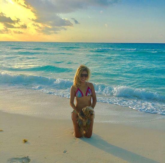 Playa del Carmen saluda a todo el mundo con este bello amanecer de Julio.... Beach Beauty In Nature Sky BudyLove Sunrise Playadelcarmen Blessed  World Good Vibes Mexico Hapiness Love