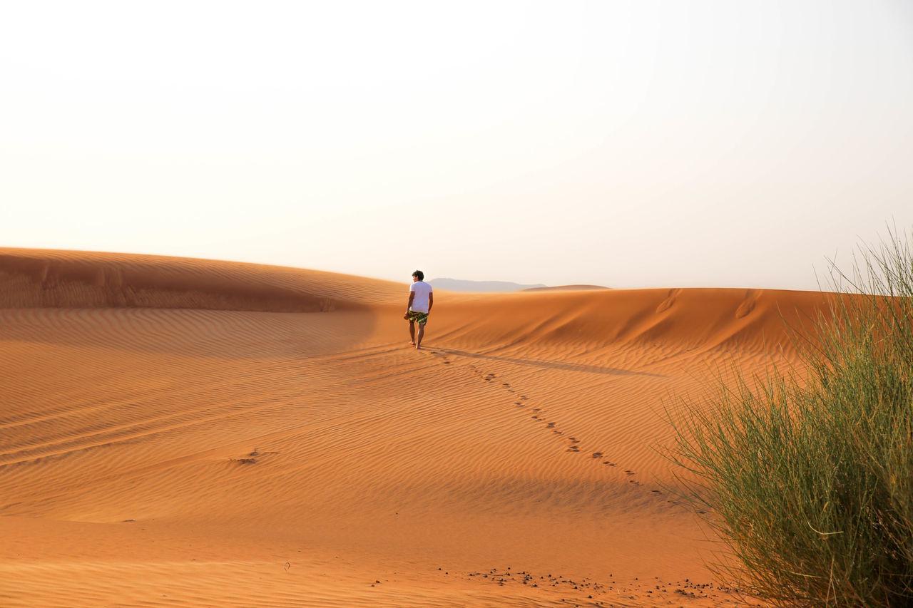RePicture Travel Desert Of Dubai First Eyeem Photo Alone Way Walking Golden Sand Desert Desert Beauty First Eyem Photo