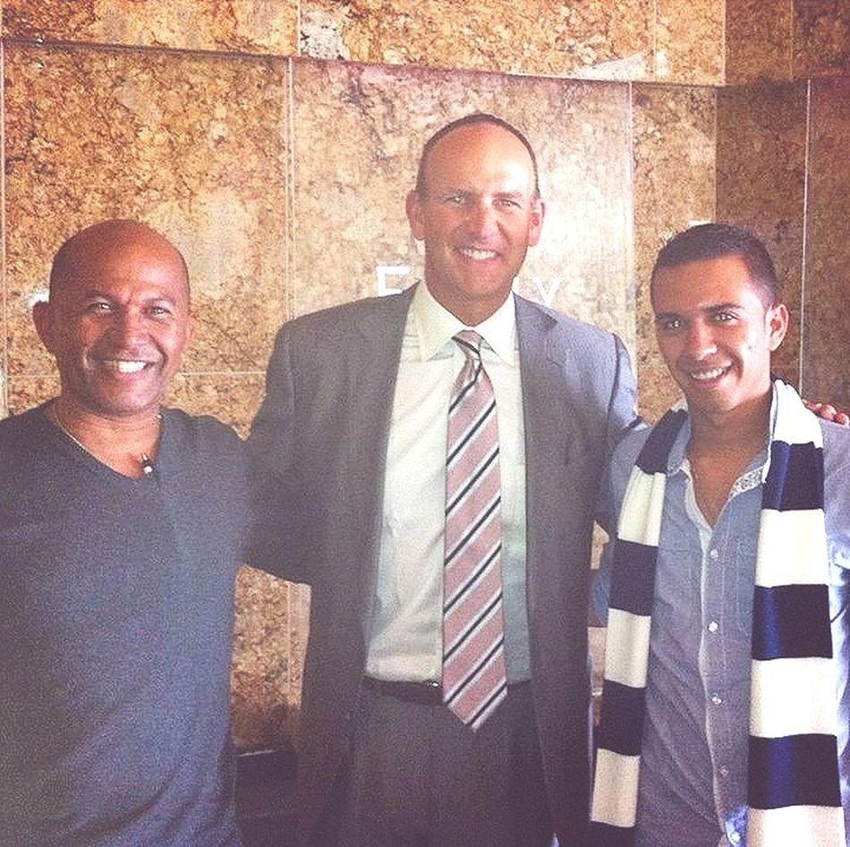 con el presidente de amway una empresa que factura mas de 12 billones de dolares humildad al 100 x 100