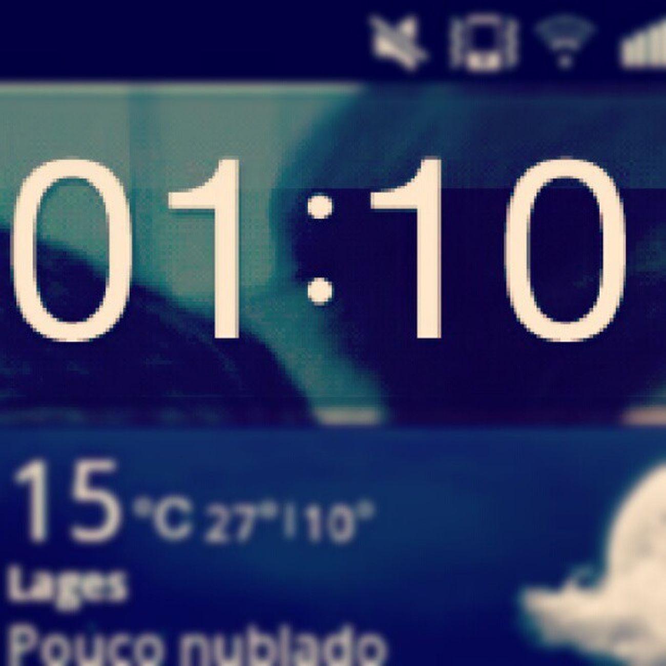 0101 Horas Iguais Tarde  sono cansado dormi servico tedio