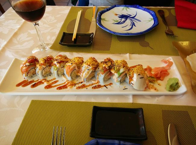 Benalmádena SPAIN Sushi Sushiporn Taking Photos Dinner 43 Golden Moments