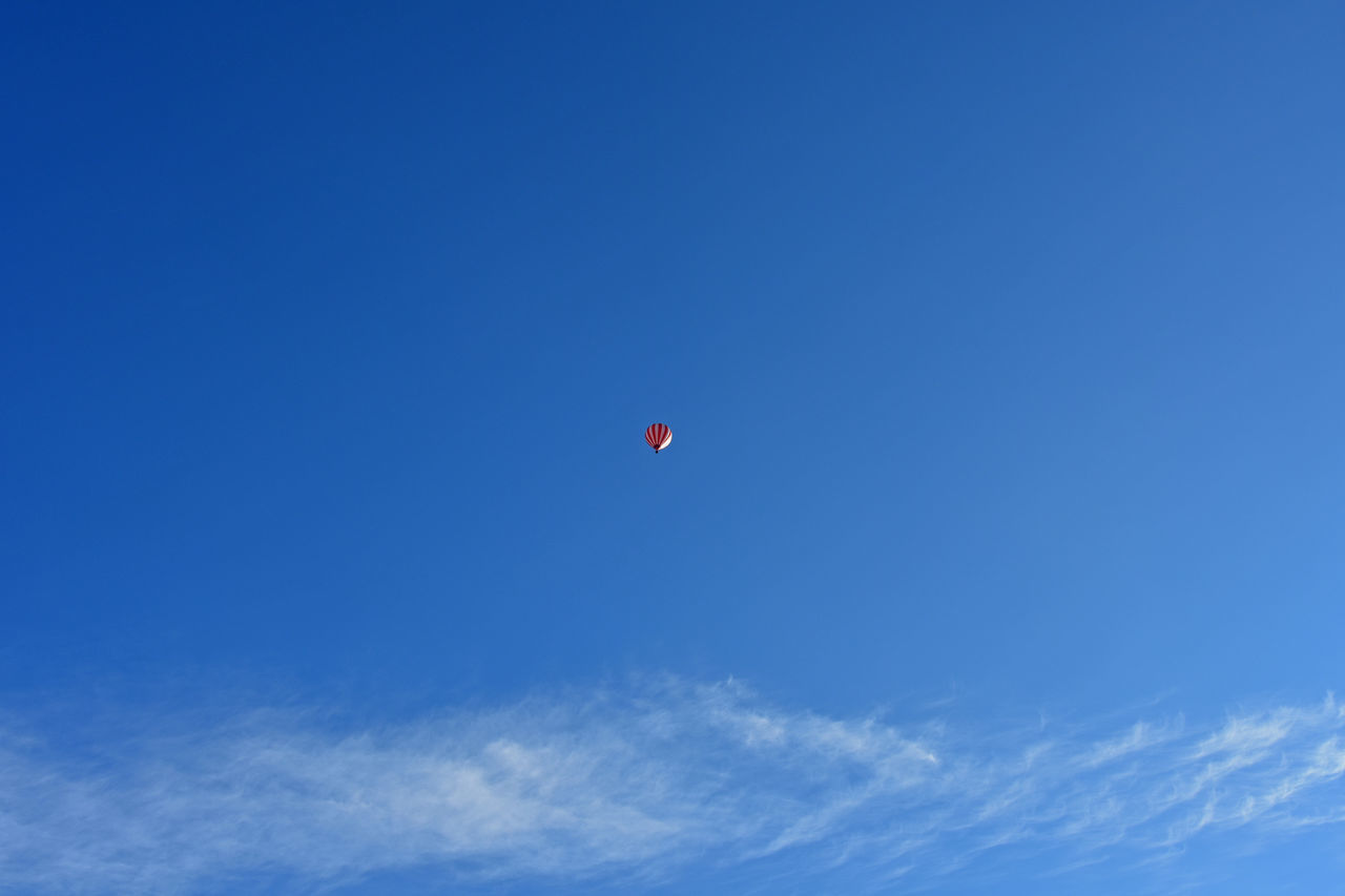 Adventure Blue Blue Sky Flying Freedom Hot Air Balloon Hot-air Balloon No People Outdoors Sky Tranquility Minimalist