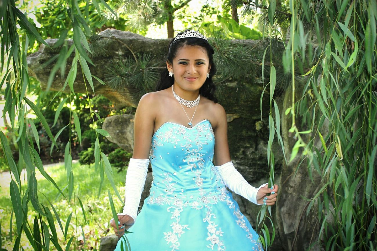Portrait of a quinceanera I took 😊 Taking Pictures Photography Photoshoot Quince 15th Birthday Dress Quinceañera