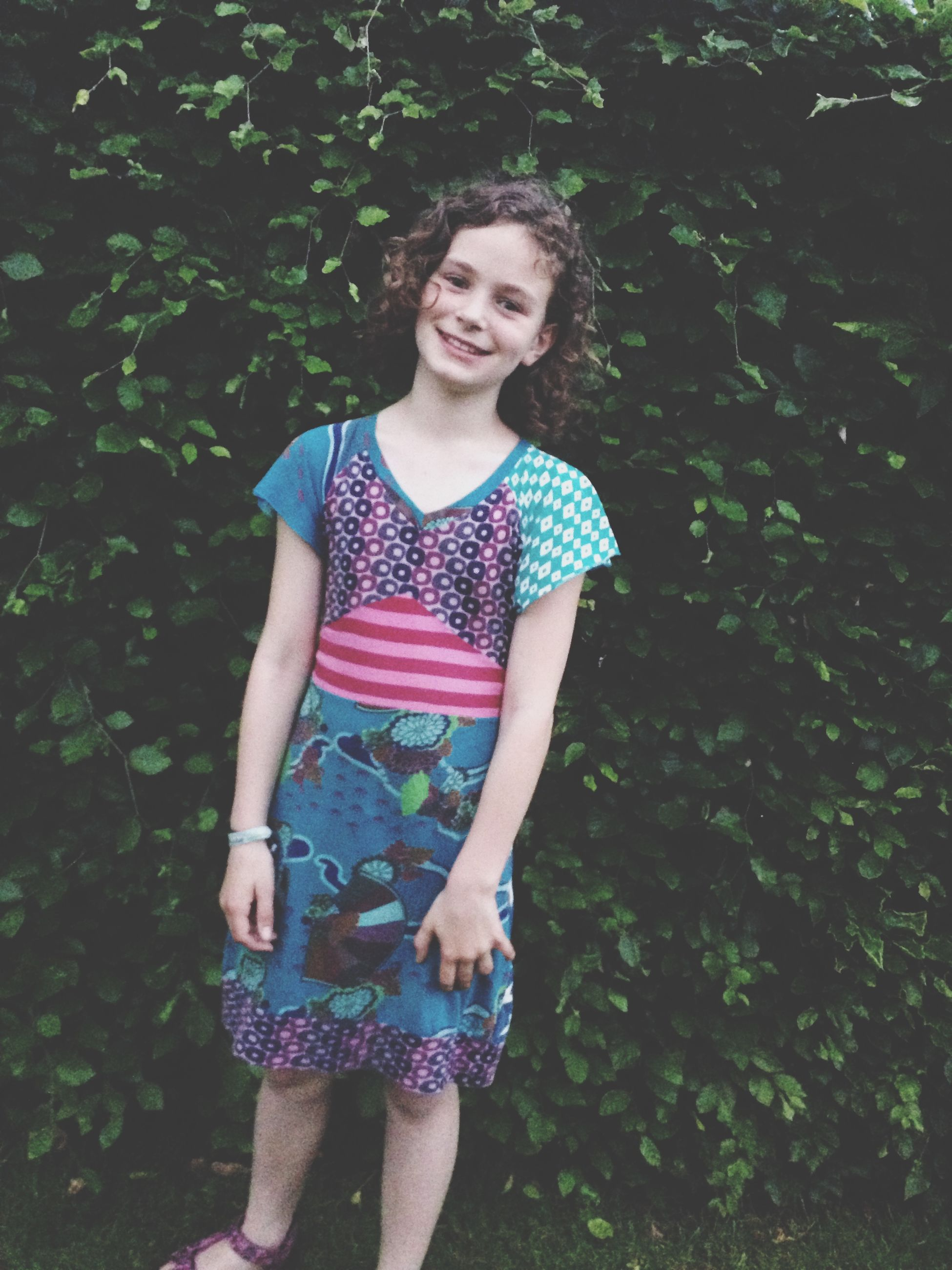 person, childhood, looking at camera, casual clothing, portrait, elementary age, lifestyles, leisure activity, full length, front view, smiling, girls, cute, happiness, standing, innocence, three quarter length, boys