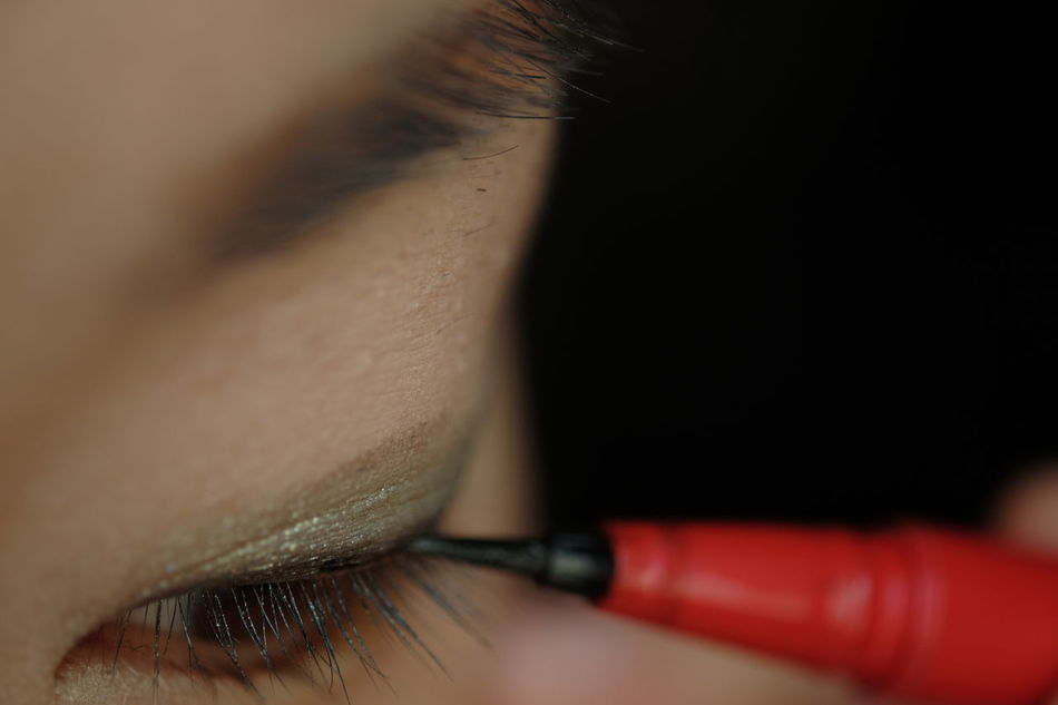 Beautiful stock photos of make-up, 30-34 Years, Applying, Cropped, Eye Liner