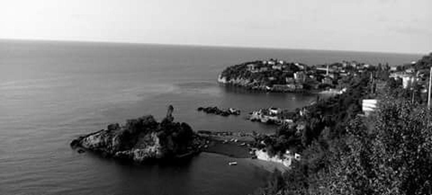 Kapuz Black And White Black Sea♥ Eyem Nature Lover