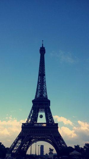 Eiffel Tower Famous Place International Landmark Iron Metal Metallic Outdoors Prayforparis PrayForParis🙏 Tower