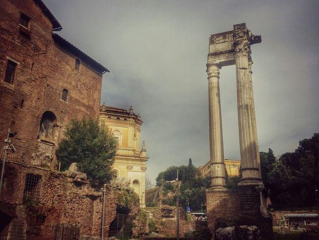 Cronache da Roma (buongiorno ) Streetphotography Roma Rome Italy Popular Photos Enjoying Life Postcard Ancient Ruins Great Beauty