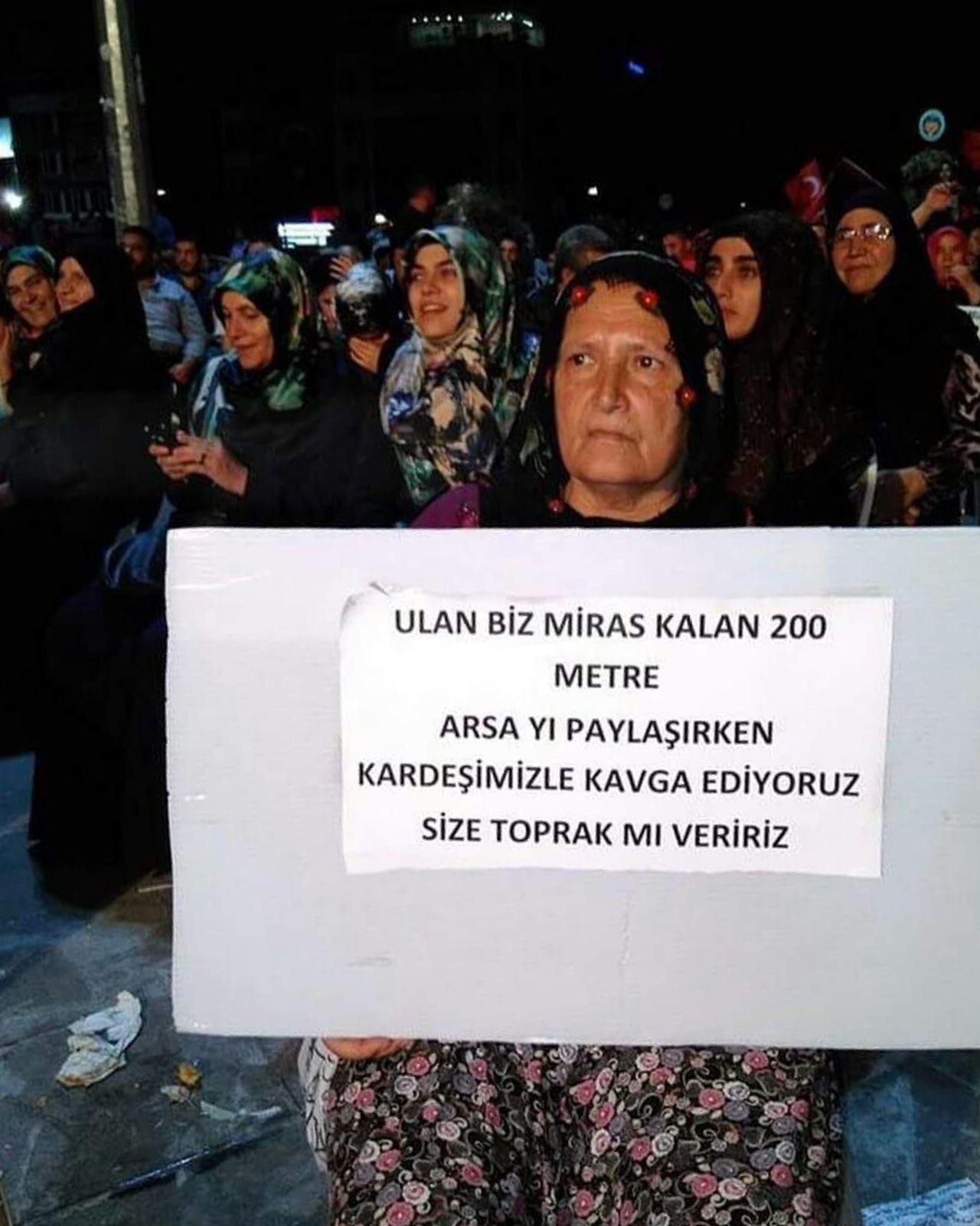 Darbebizesokmez Darbeyehayır Hanging Out Check This Out Izmir Turkey Love♥ Black And White Izmir/ Bornova Eye4photography  Hello World Woman EyeEm Gallery
