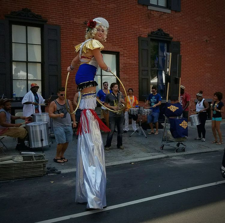 DNC entertainment. Check This Out Philadelphia Downtown Convention Entertainment Band Stilts Street Photography Street Entertainers Eyemphotography Fun Hoola Hoop Phillyfeast Political Fest