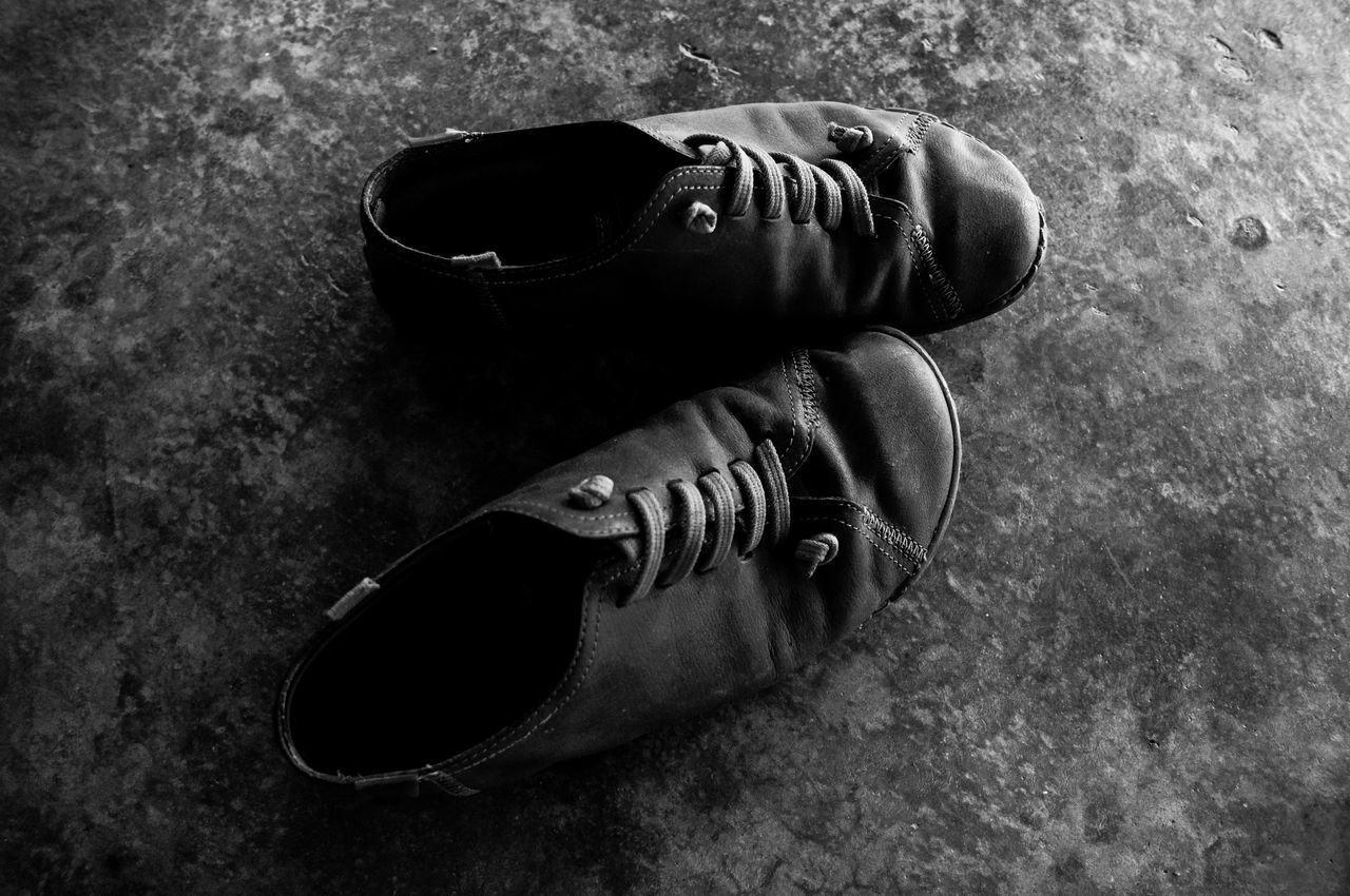 Once i start to fall in love on something.. it is not easy for me to let them go.. Camper Dirty Love Man My Taste Old Pair Shoes Taking Pictures Winkle
