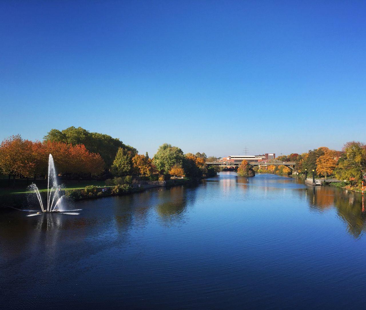 Mülheim An Der Ruhr Ruhrgebiet Ruhrpott Autumn Autumn Colors River Fountain Nature Nature_collection Fall