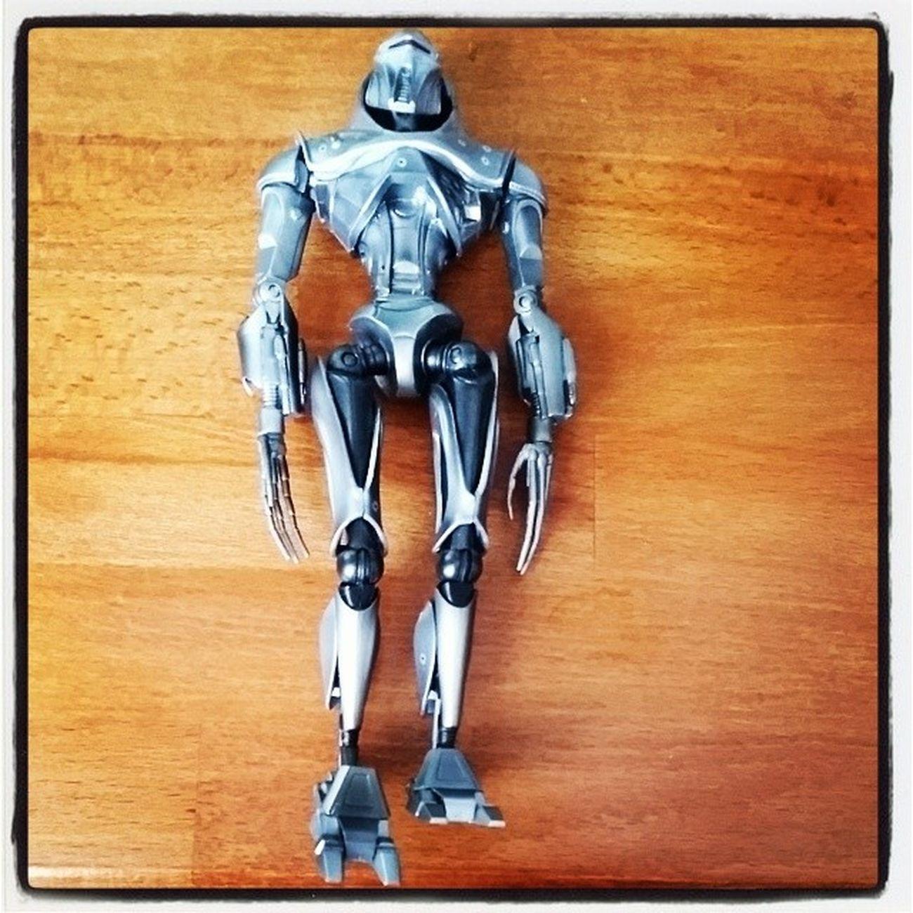 Figurine Cylon de Battlestar Galactica 1€ aux puces !