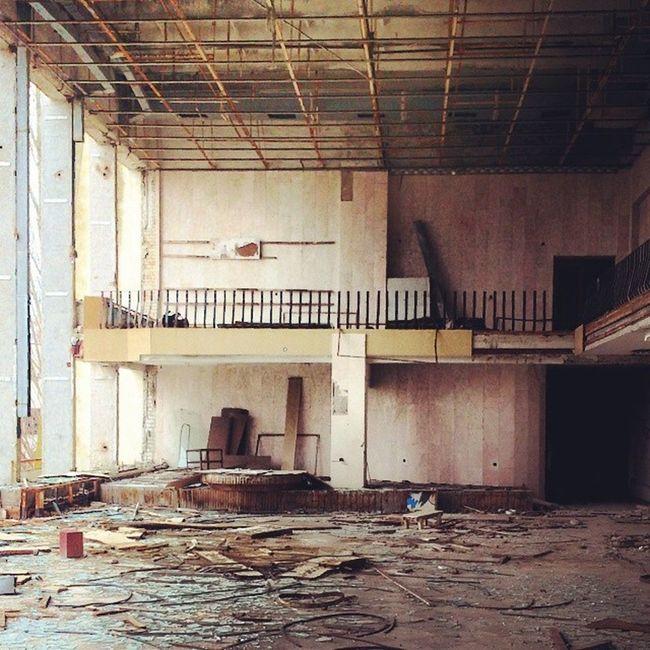 В Доме Культуры творческий беспорядок припять дк_энергетик чернобыль Chernobyl pripyat
