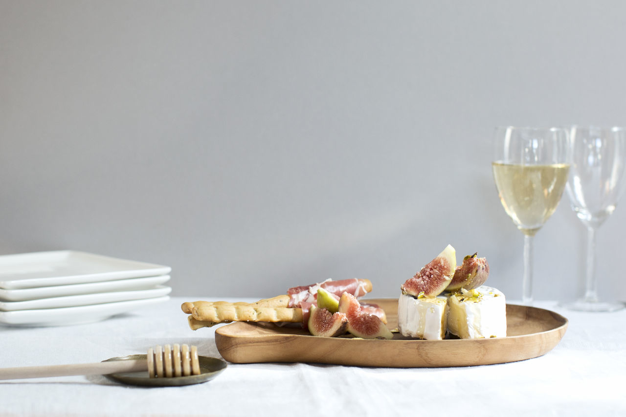 Afternoon Brie, figs and honey board. Relaxing Cheese Food Food Porn Foodphotography Foodstyling Brie Wine