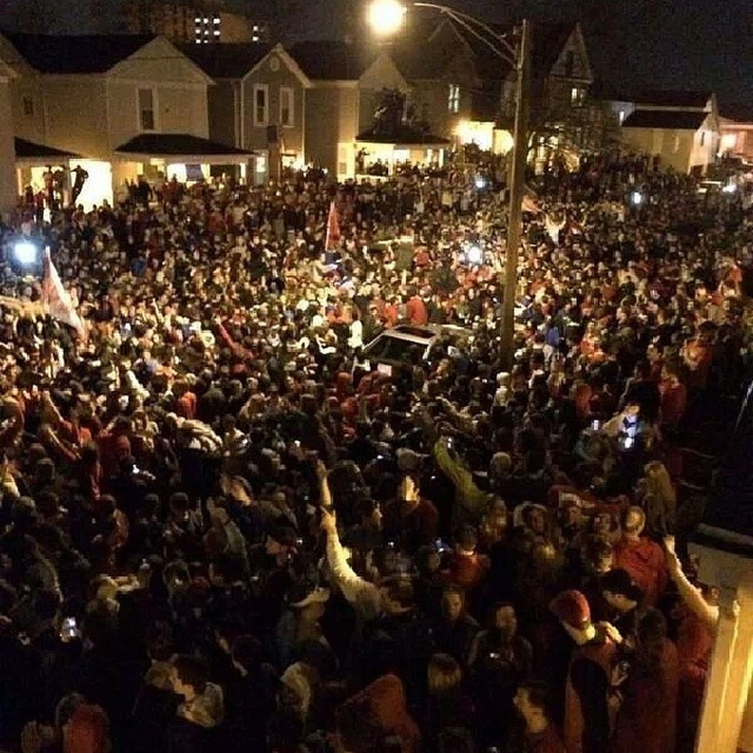 I wouldnt wanna be in dayton right now!!! Lol GOFLYERS Elite8