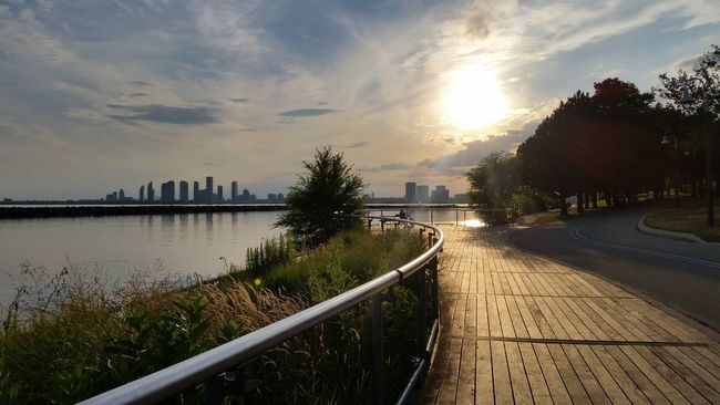 When home is this beautiful, you don't need a filter Toronto 6ix YYZ Nofilter Lake Ontario Summer In The City Lakeshore Martin Goodman Trail Humber Bay Dramatic Angles
