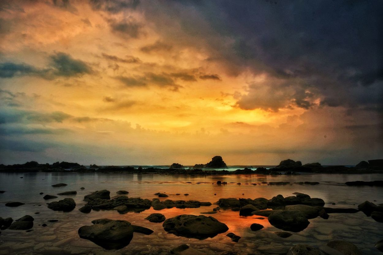 Sunset Nature Cloud - Sky Outdoors Beach Beauty In Nature Wallpaper Background Natgeoindonesia EyeEmNewHere Natgeotravel Travel Travel Photography Travelingtheworld  Black And White Collection  Traveling Landscape Scenics Nature_ Collection  Splendid_shots Sunsetandsky Landscape Seascape Landscape_Collection Traveldiaries Travelgram Horizon Over Water