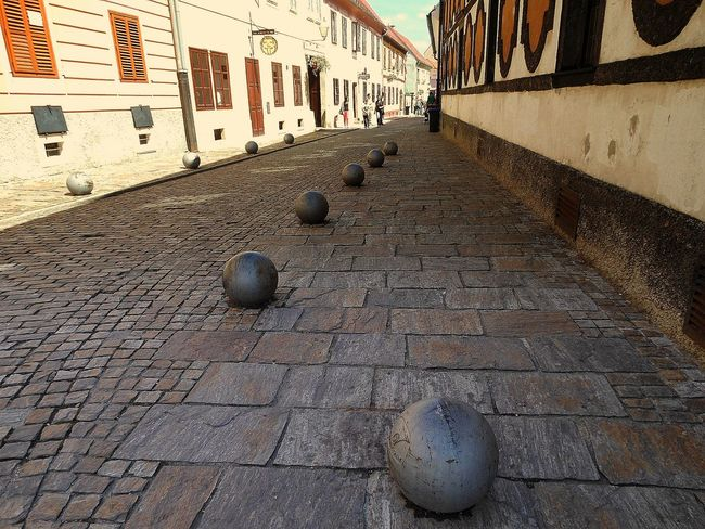 Cannonballs City Life Diminishing Perspective Golden Hour Outdoors Streetphotography The Way Forward Urban Decorations Urbanphotography Walkway