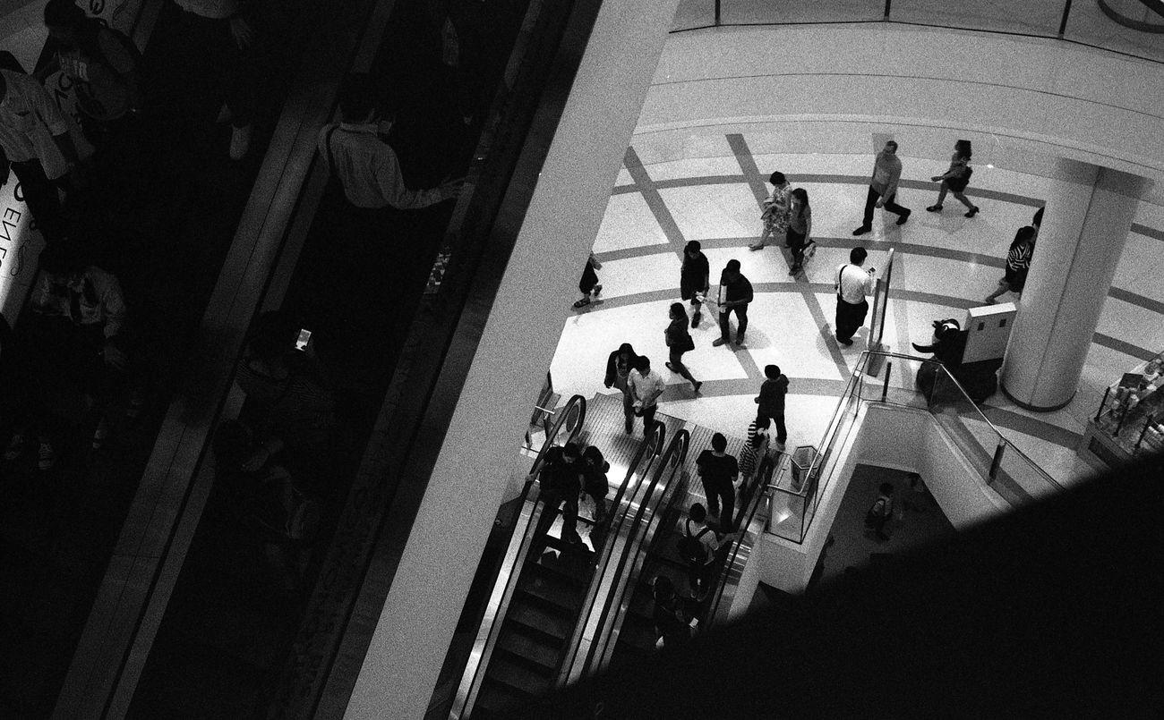 BKK city life Adayinthailand Bangkok Black & White Black And White Blackandwhite Blackandwhite Photography Epson Epson V700 Film Film Photography Filmcamera Filmisnotdead Filmphoto Filmphotography Ilford Ilford HP5 Plus Leica Leicacamera Leicam6 Thailand Voigtlander Nokton 40mm F1.4 Voigtländer First Eyeem Photo