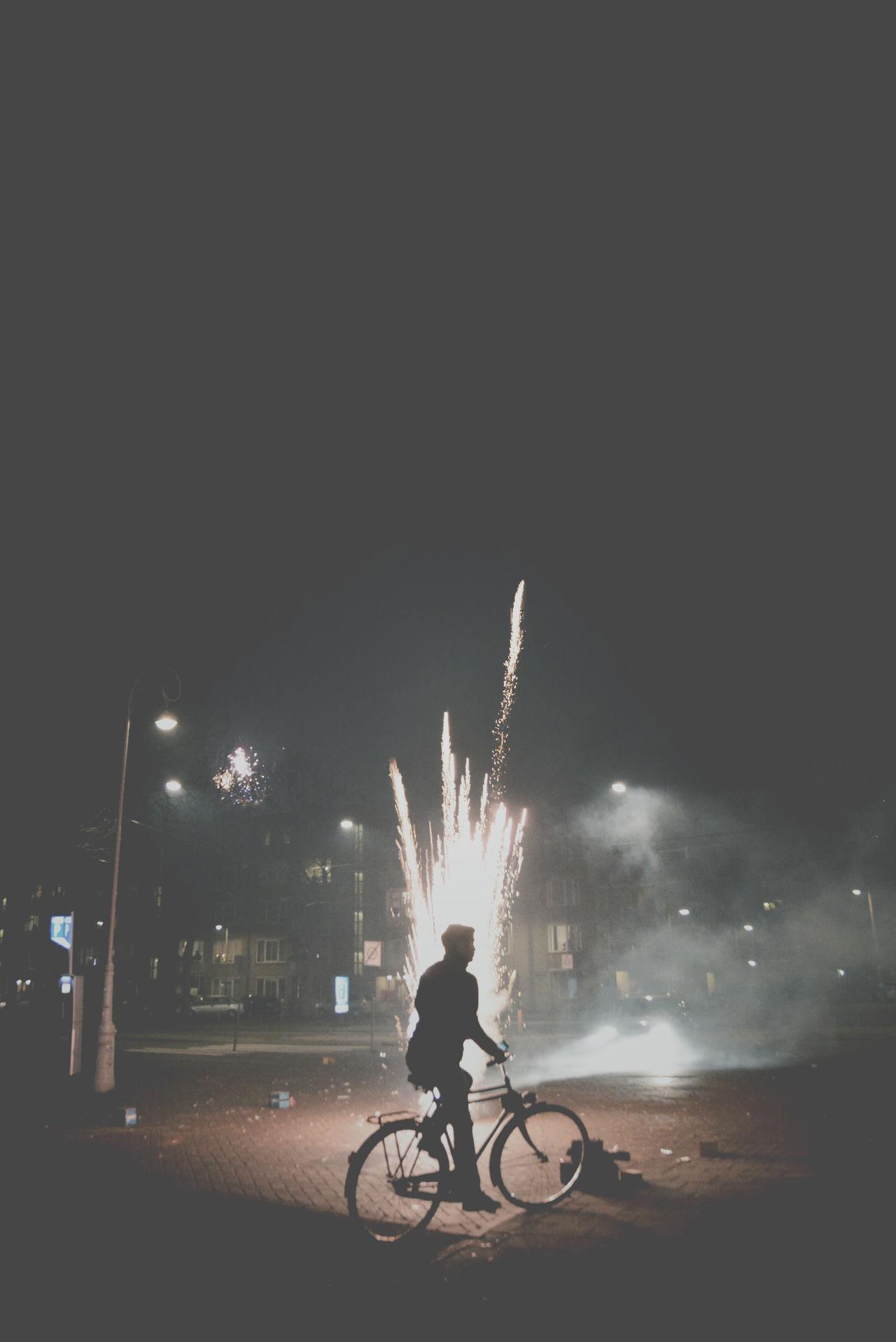 Beautiful stock photos of feuerwerk, night, illuminated, motion, sparks