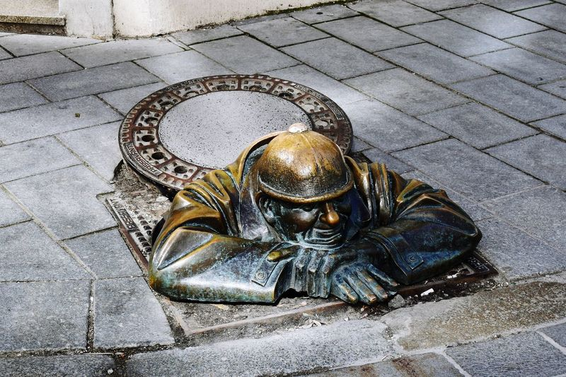 Man at Work | Bratislava Bratislava, Slovakia Human Representation Sculpture Street Statue Icon High Angle View Outdoors Sidewalk Close-up Bronce The Week On EyeEem EyeEmNewHere Travel Destinations EyeEm Day Man At Work Cumil EyeEm Selects Investing In Quality Of Life Be. Ready.