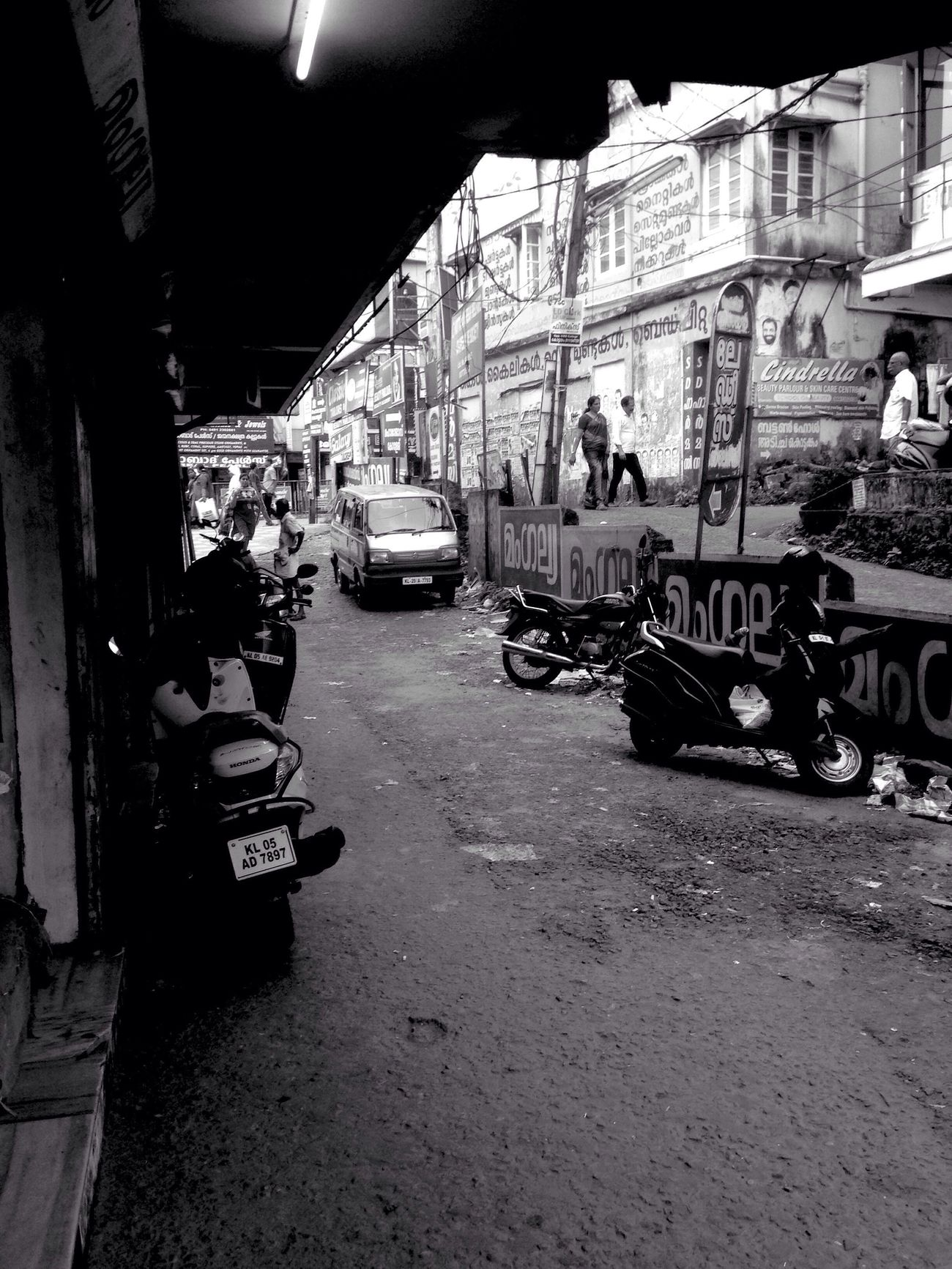 The streets are all empty.... Streetphotography_bw Empty Road Downtown Architecture Land Vehicle First Eyeem Photo