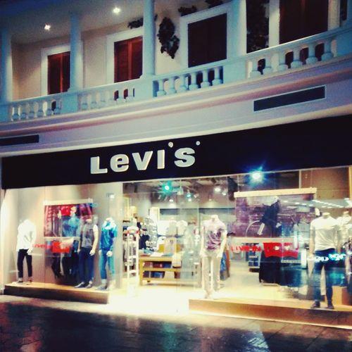 LEVIS™