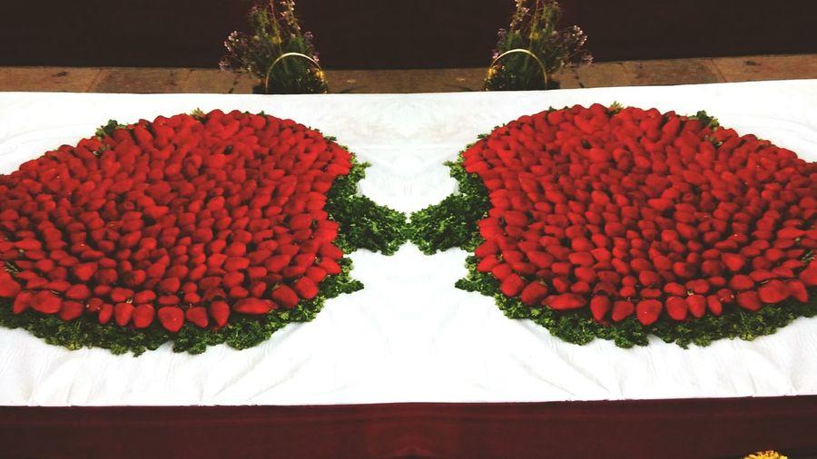 strawberry treasure found !! ????. Strawberries Exhibition Foodporn❤️ Taking Photos ArtWork So Delicious Fruits