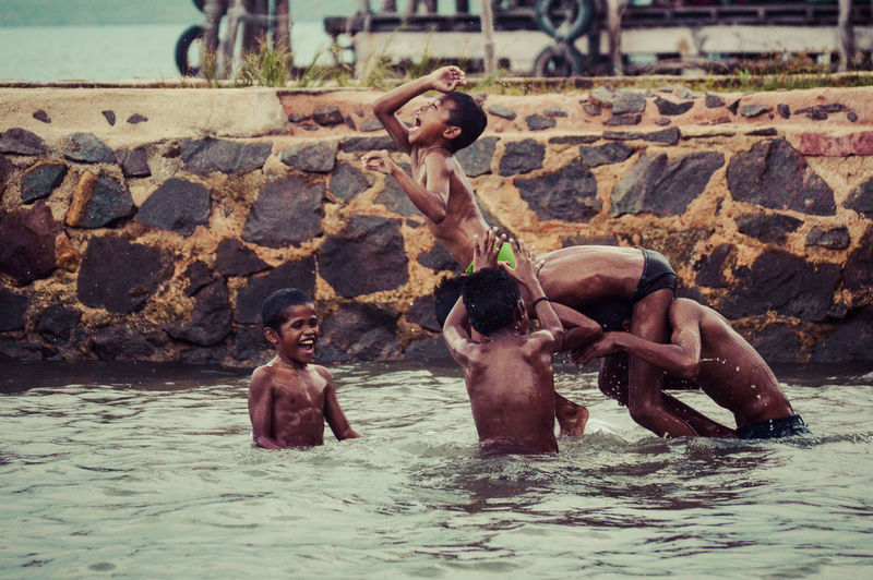 The Photojournalist - 2016 EyeEm Awards Human Interest Human Activity Boys Coastboy Swiming Kids Playing Hello World Enjoying Life People Of The Oceans
