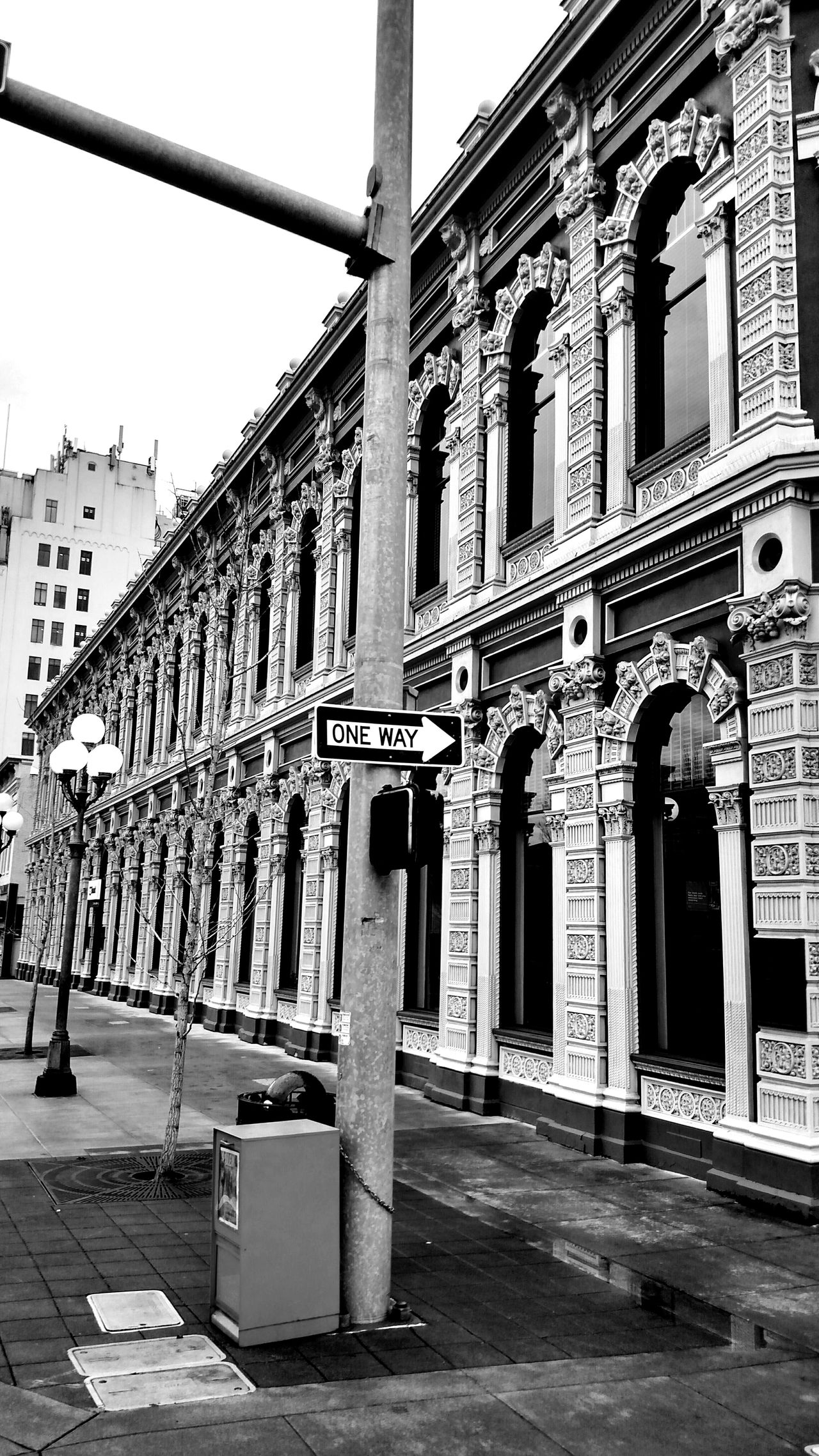 Taking Photos Check This Out Enjoying Life Bank Black And White Photography Downtown Salem, Oregon Outdoors Photograpghy  Street Photography Vintage Building Ladd & Bush Bank The City Light