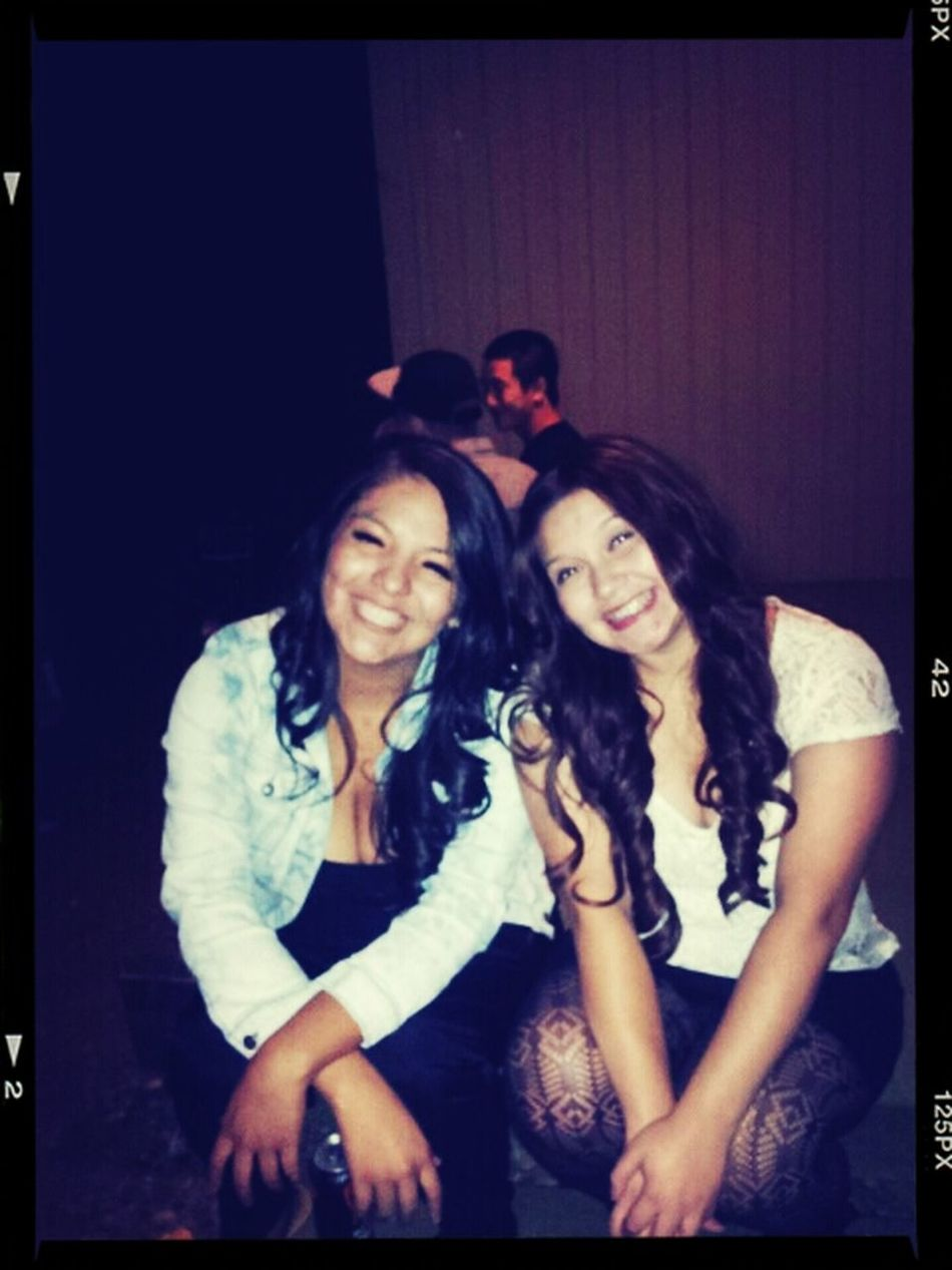 Me and my girl doing our thing on this Friday night. College Collegeparty Bestfriends Beautiful ♥