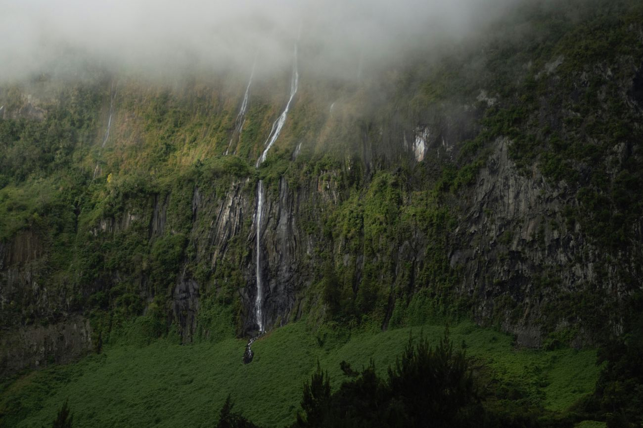 Cascades Montagne Montain  Nature Tropical Paysage Natural Beauty Photo #photos #pic #pics #TagsForLikes.com #picture #pictures #snapshot #art #beautiful #instagood #picoftheday #photooftheday #color #all_shots #exposure Composition Focus Capture Moment [ Salazie Sonya58#reunionisland