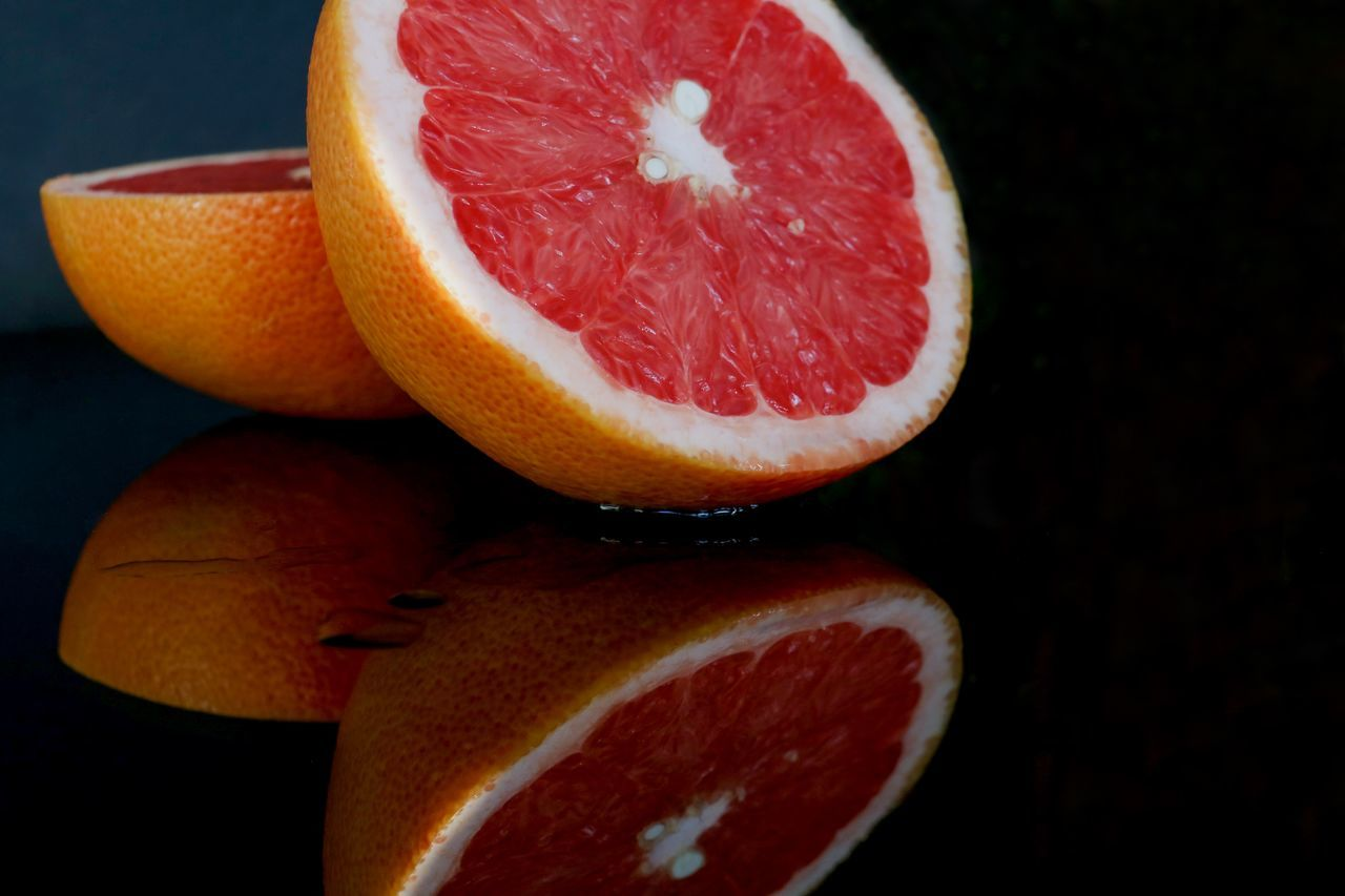 fruit, healthy eating, citrus fruit, food and drink, freshness, food, cross section, no people, slice, indoors, grapefruit, close-up, blood orange, day