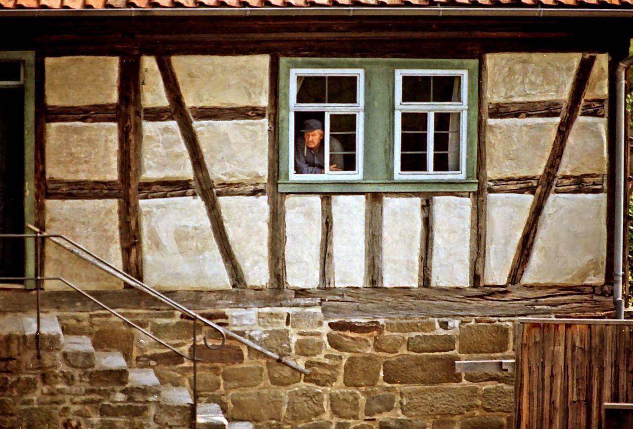 Fladungen Museum Bauernhaus Bauernhof Bauer Im Fenster Fensterblick  Window View Landleben